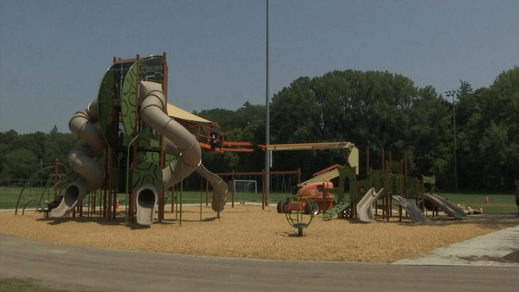 lakeview terrace park playground